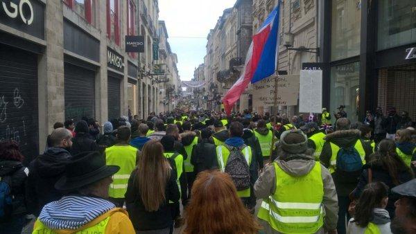 Acte XIII : A Bordeaux, plus de 10 000 Gilets jaunes maintiennent la pression !