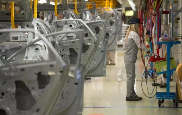 PSA Mulhouse : des conditions de travail inhumaines, 50 postes de supprimés au montage