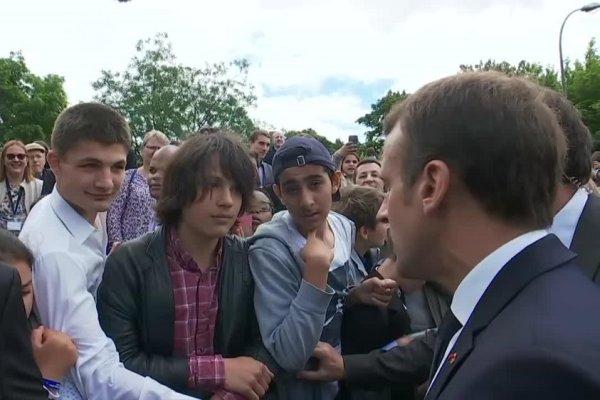 """Macron déraille face à un collégien : """"Si tu veux faire la révolution, tu apprends d'abord à avoir un diplôme et à te nourrir toi-même""""."""