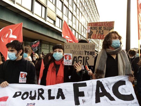 De la détresse à la colère : des milliers de jeunes mobilisés ce mercredi dans plusieurs villes